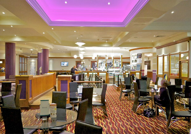M Club restaurants and refreshments