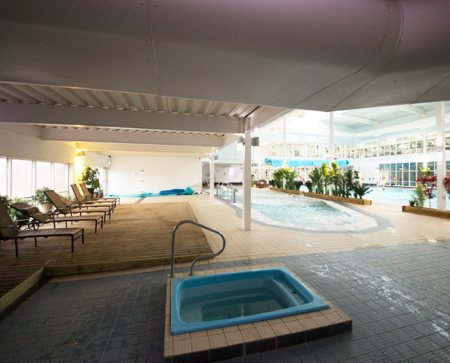 M Club Spa and Fitness - hydrotherapy pool and relaxation area