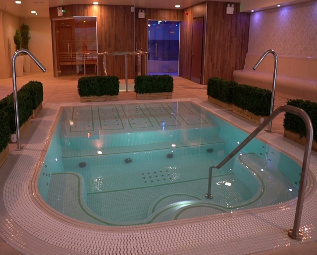 New M Club Spa and Fitness Hanley Hydrotherapy Pool